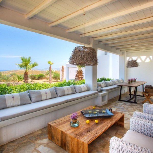 Luxury villas in Paros