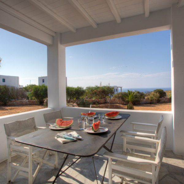 Family luxury villas in Paros